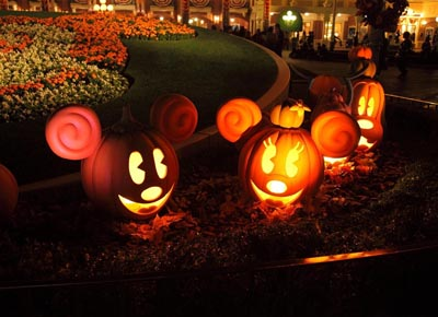 mickey-mouse-pumpkin-carving