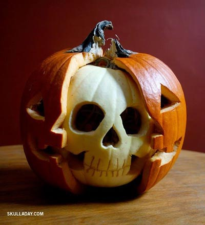 skull-pumpkin-carving