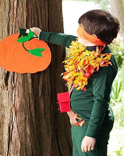 Halloween-Game-Pin-the-Stem-on-the-Pumpkin