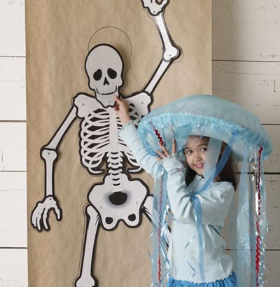 skeleton-scavenger-hunt-halloween-games