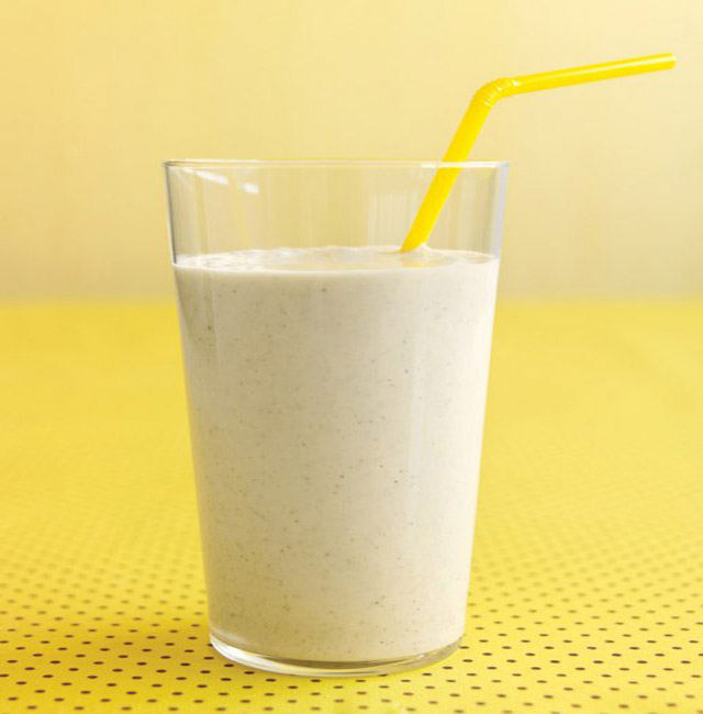 healthy-smoothie-recipe-banana-oat-smoothie