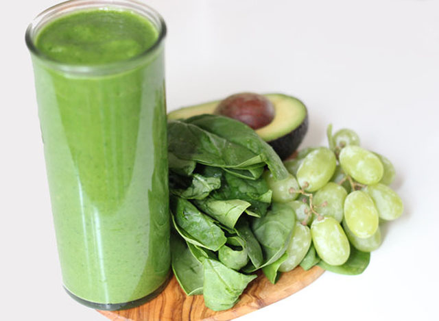 healthy-smoothie-recipe-harley-pasternak-spinach-smoothie