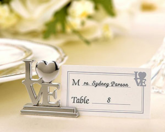 homemade-wedding-favor-ideas-LOVE-place-card-holders