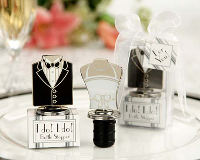 homemade-wedding-favor-ideas-wine-bottle-stoppers