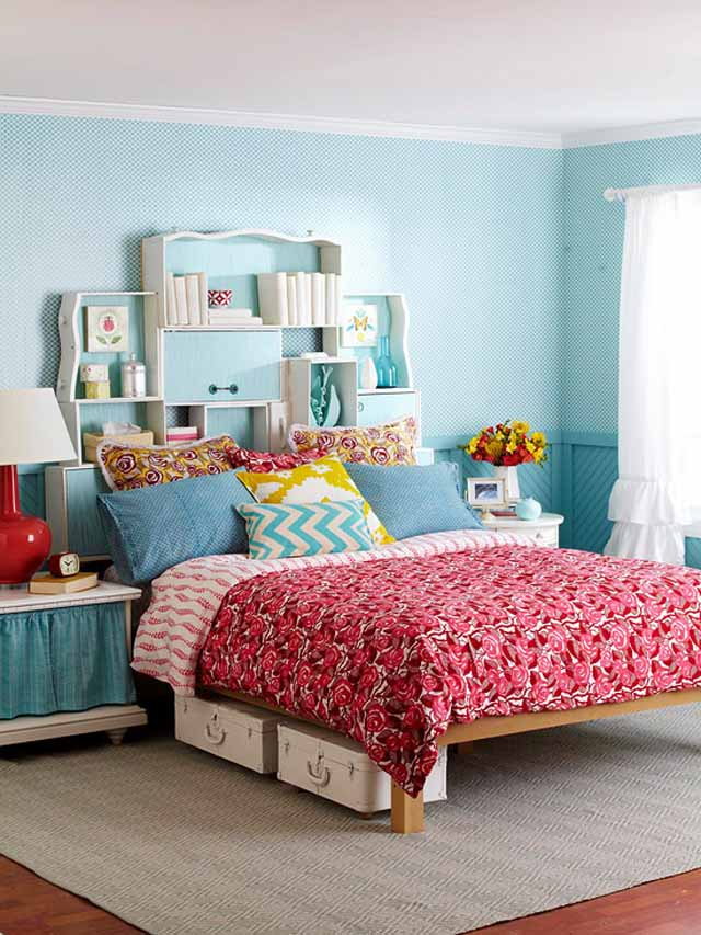 small-bedroom-decorating-ideas-blue-paint