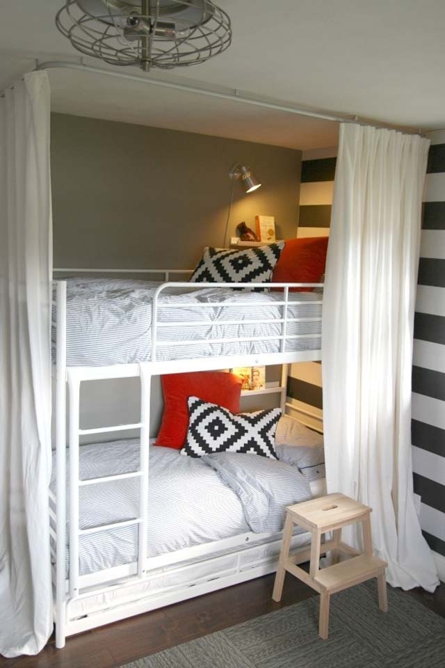 small-bedroom-decorating-ideas-using-double-deck