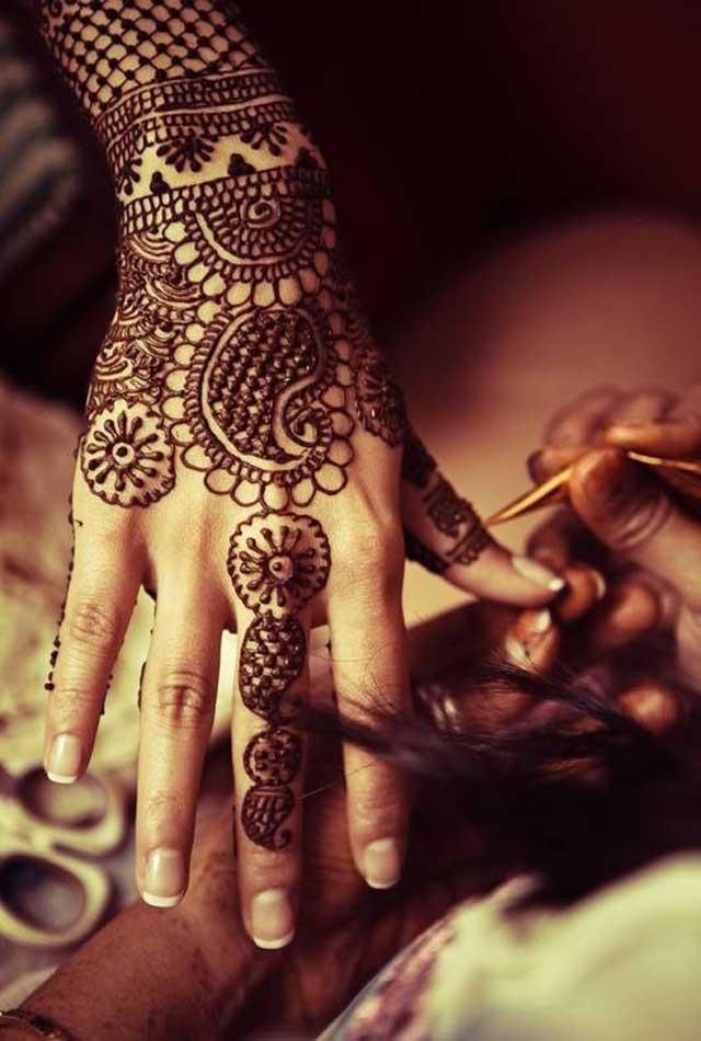 best-mehndi-designs-for-hands