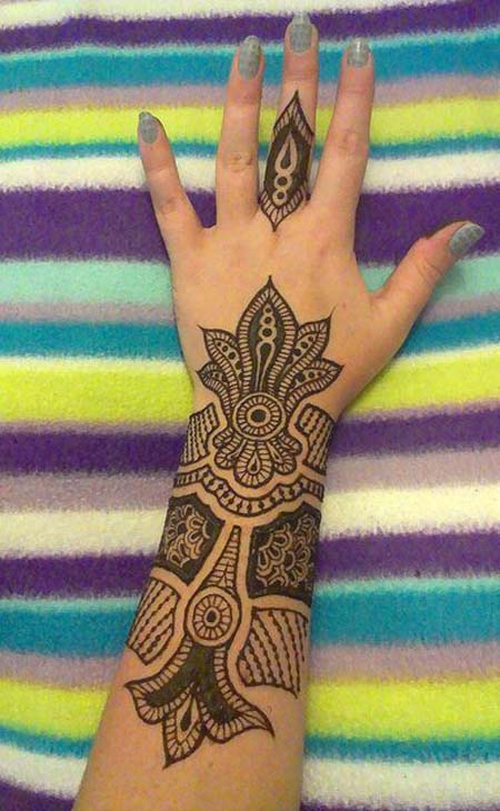 Elegant Henna Designs: 50 Beautiful Mehndi Designs And Patterns To Try!