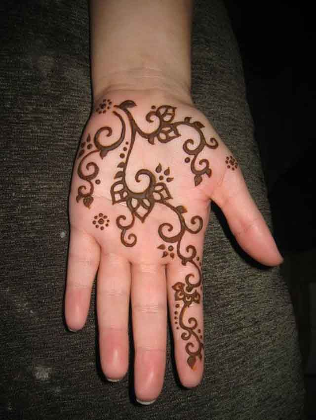 Simple mehndi design for kids hands