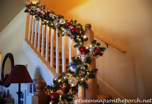 Christmas-Banister-Garland-Decorations