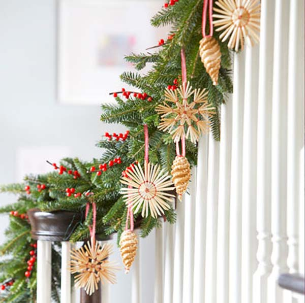 green-christmas-garland-decorations