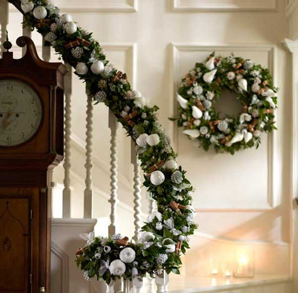 traditional-christmas-garland-decorations