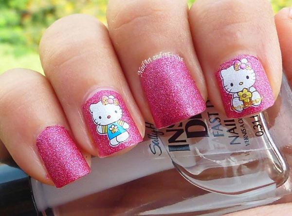 hello-kitty-nail-design-ideas