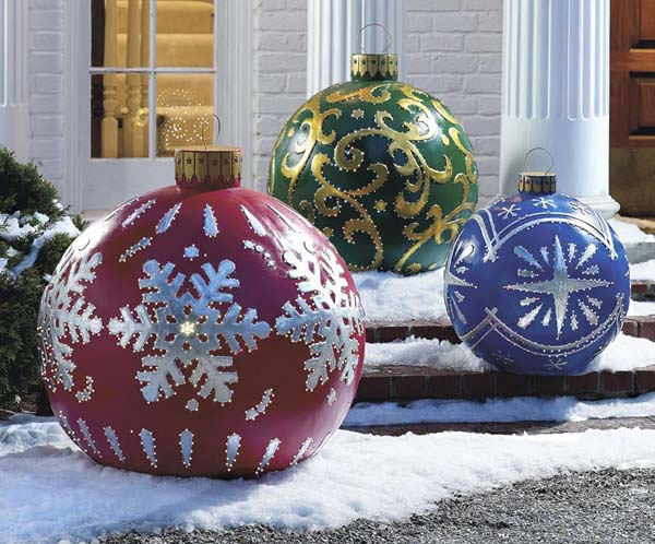 large-outdoor-christmas-decorations