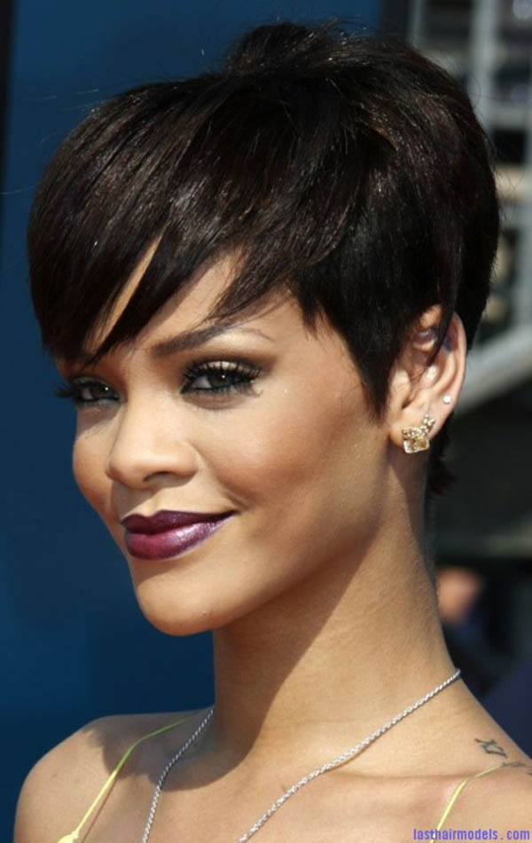 short-rihanna-hairstyles