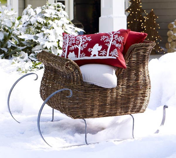 traditional-outdoor-christmas-decorations