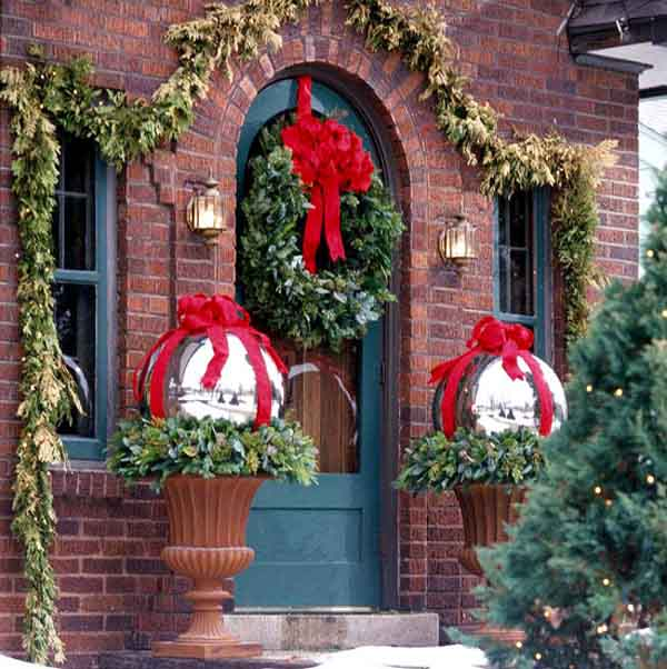 unique-outdoor-christmas-decorations