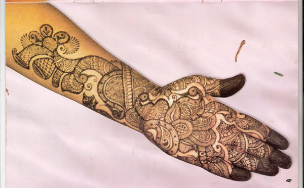 arabic-hand-mehndi-design