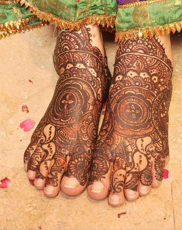arabic-mehndi-design-for-feet-1
