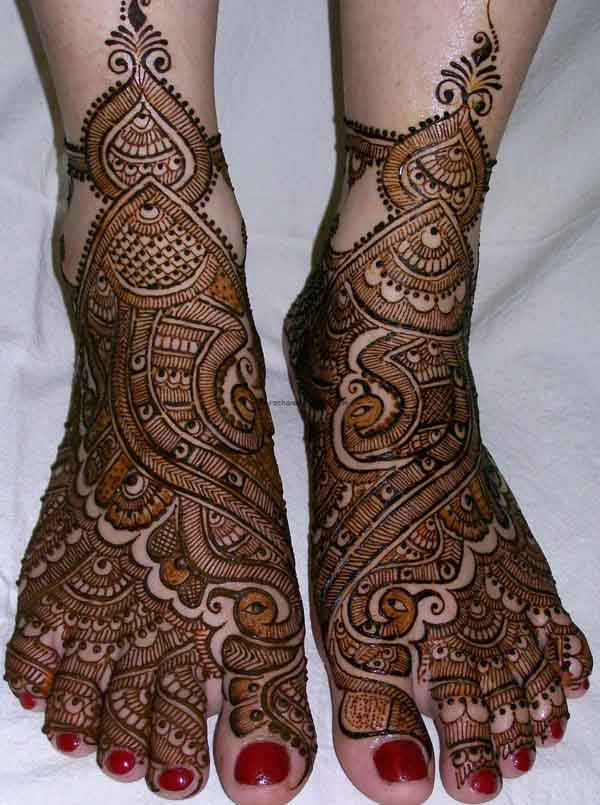 beautiful-mehndi-design-for-feet-1