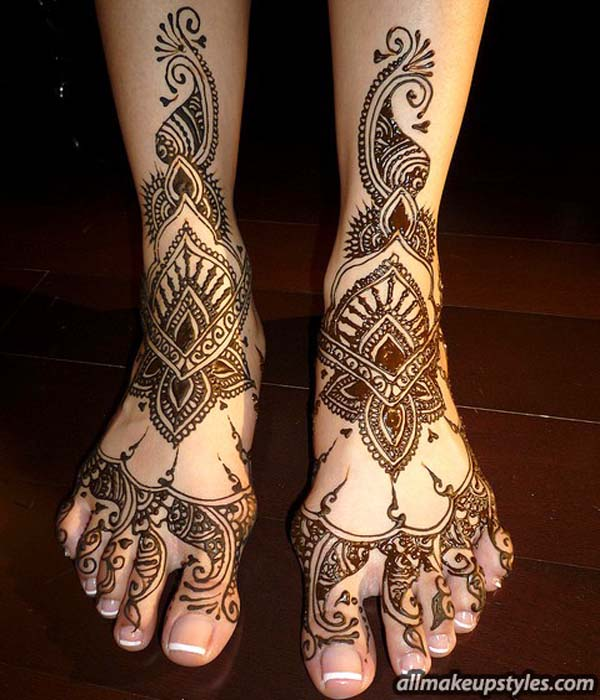 bridal-mehndi-design-for-feet-1