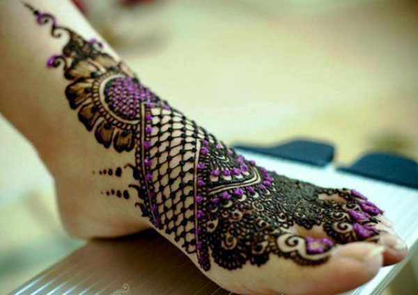 bridal-mehndi-designs-for-feet