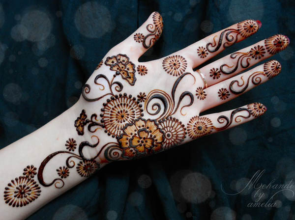 designs-of-mehndi-for-hands