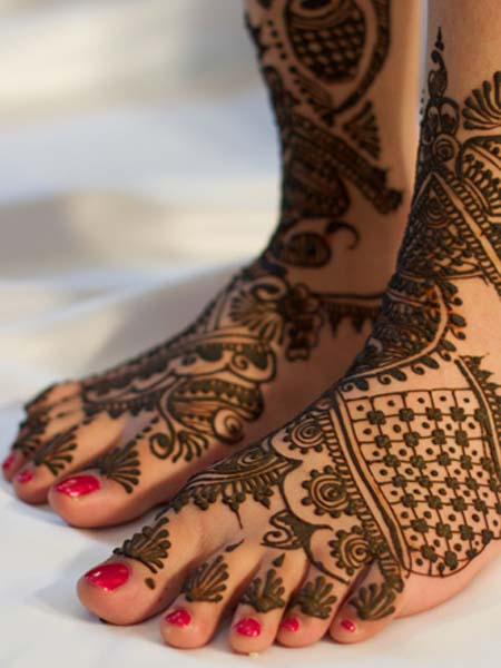 easy-mehndi-designs-for-feet-1