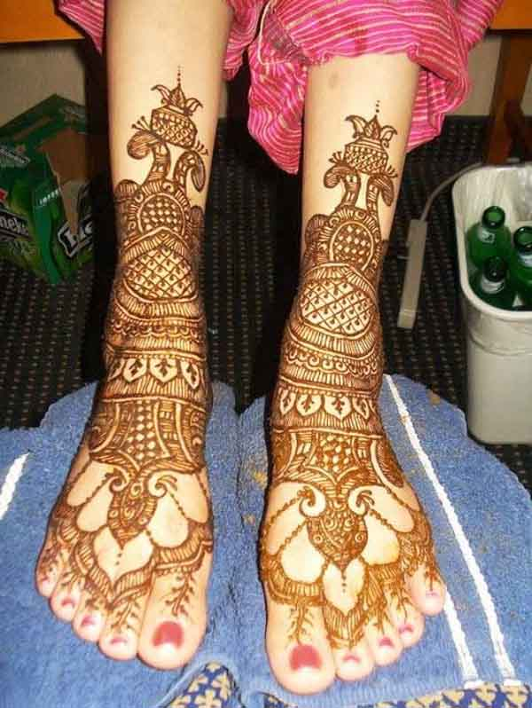 latest-bridal-feet-mehndi-design