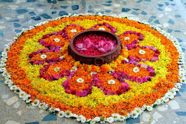 rangoli-designs-for-diwali-with-flowers