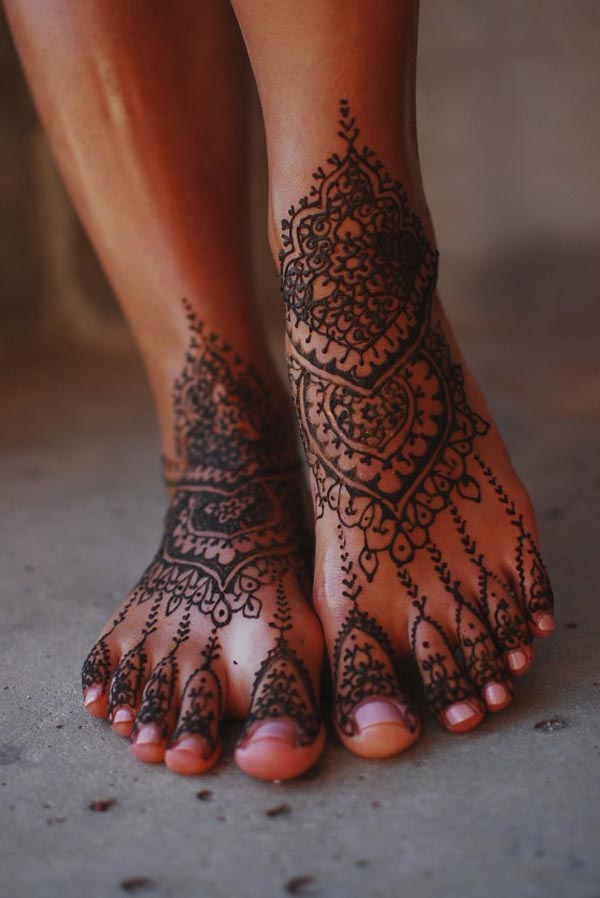 simple-mehndi-design-for-feet-ideas