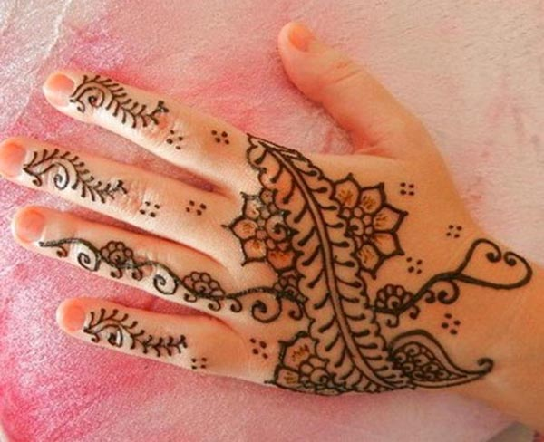 simple-mehndi-designs-for-hands