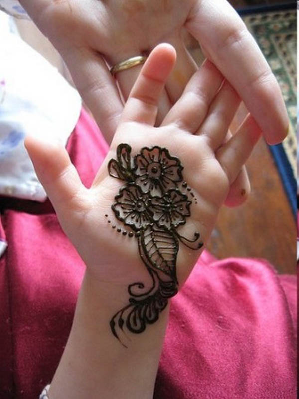 very-easy-mehndi-design-for-kids