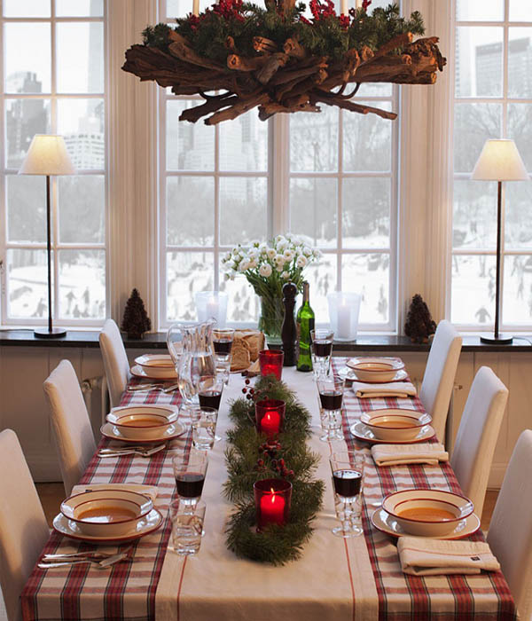 50 wonderful christmas decorating ideas to make your for Ideas to decorate dining room table for christmas