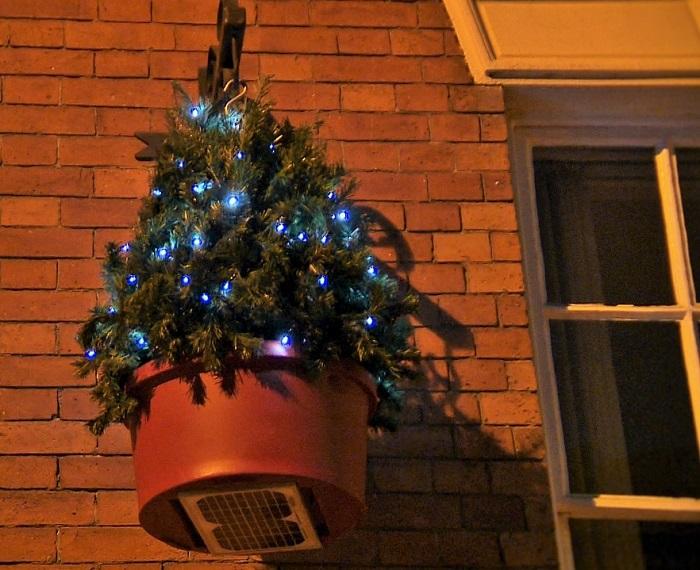 hanging-Christmas-Decorations